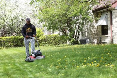 mowing-lawns-across-america-for-free
