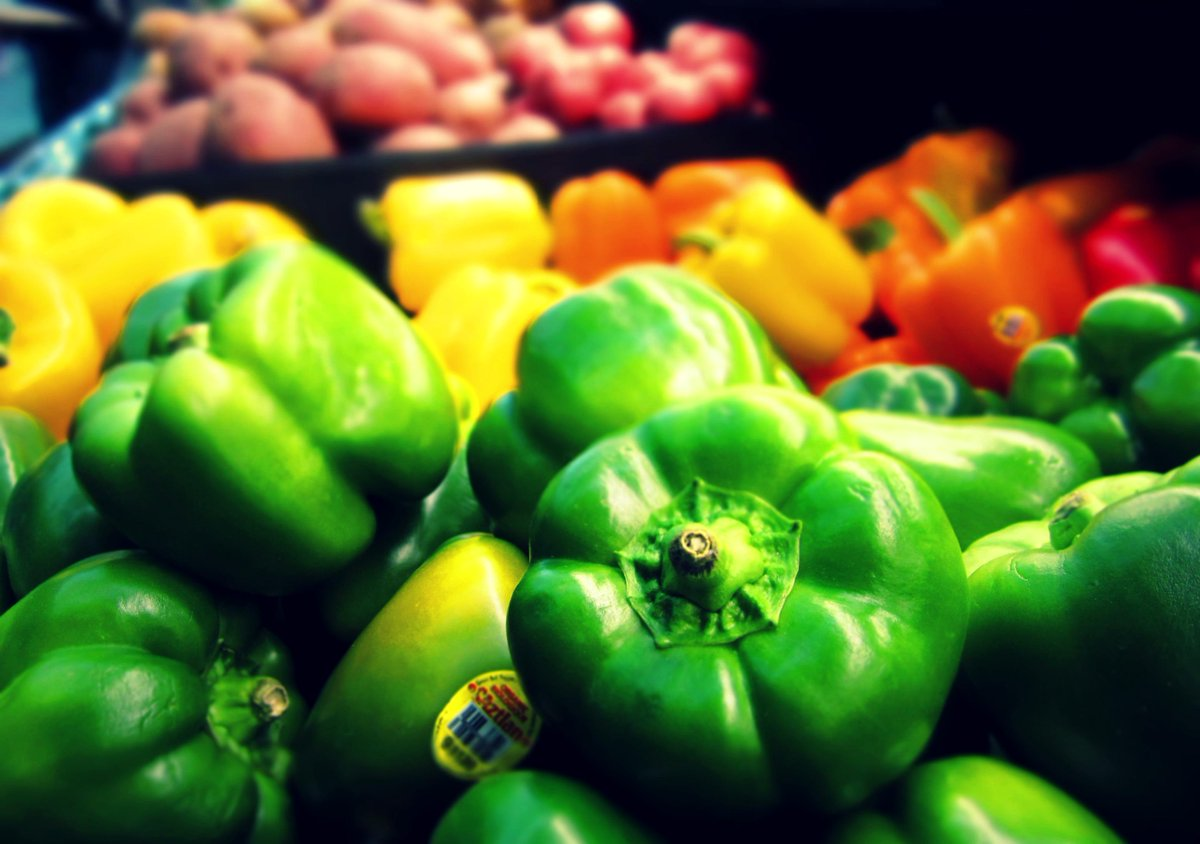 people-are-just-now-finding-out-that-red-orange-and-green-peppers-are-the-same-vegetable