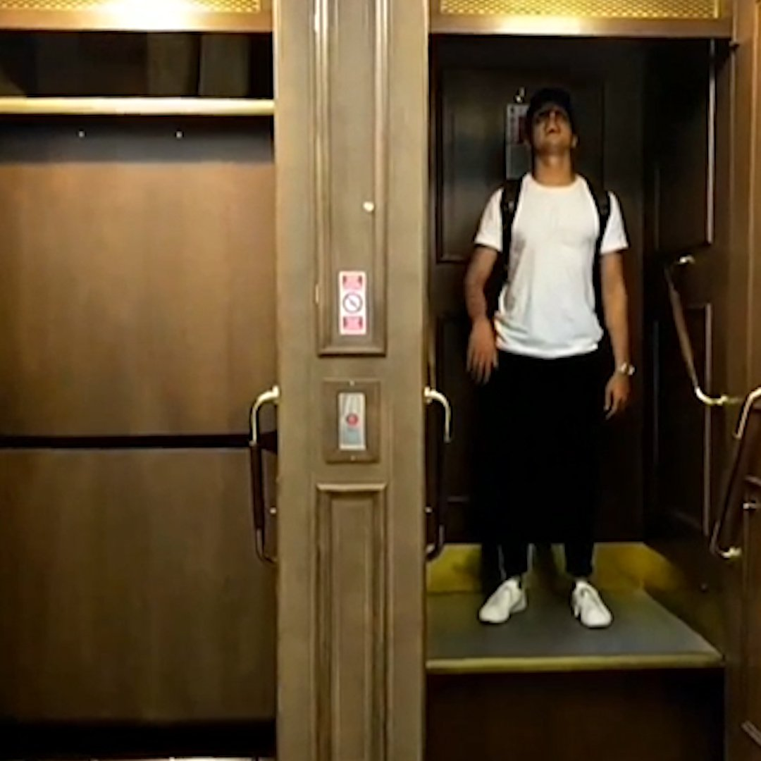 you-can-ride-a-never-ending-elevator-in-prague-%f0%9f%94%81