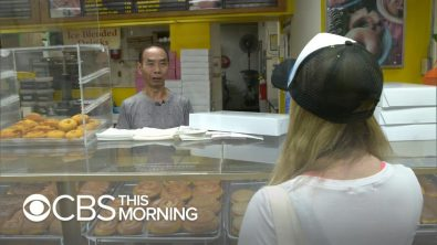 community-buys-out-donut-shop-so-owner-can-spend-time-with-sick-wife